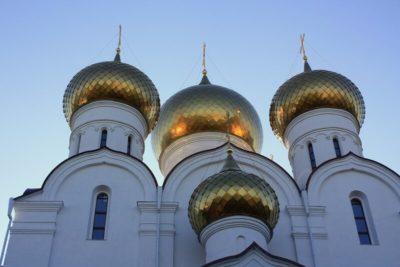 В каком веке был построен Успенский собор Московского Кремля