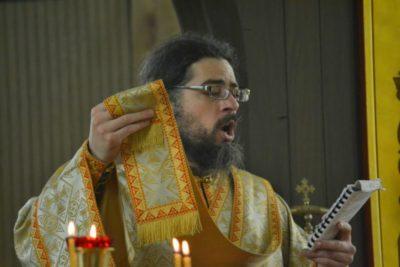 Кто такой дьякон в церкви