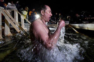 Когда купаться на Крещение с 18 на 19 или