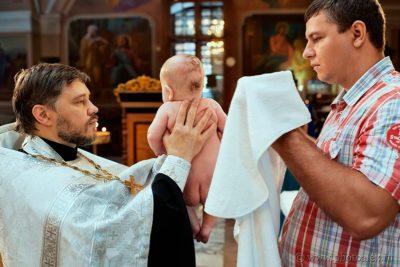 Когда проходит служба в церкви на Крещение