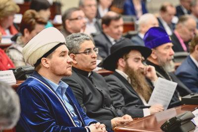 Сколько в России православных и мусульман