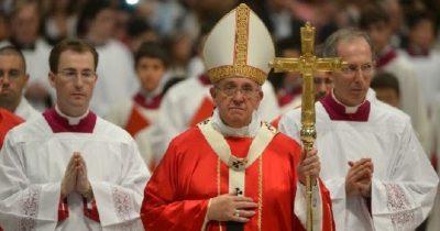 Как зовут священника в католической церкви
