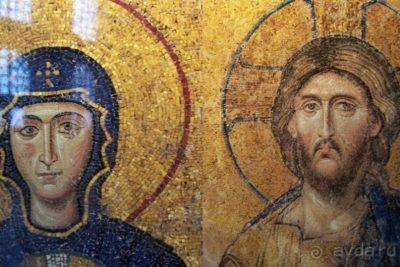 В каком году был построен храм Святой Софии в Константинополе