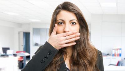 как научиться молчать и не говорить лишнего