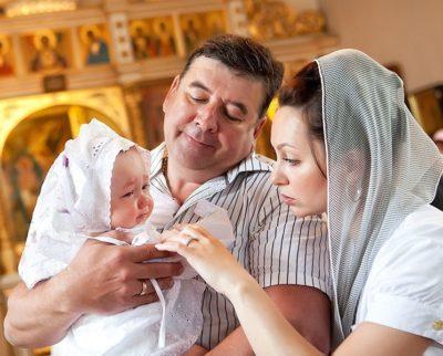 В каком возрасте нужно крестить ребенка