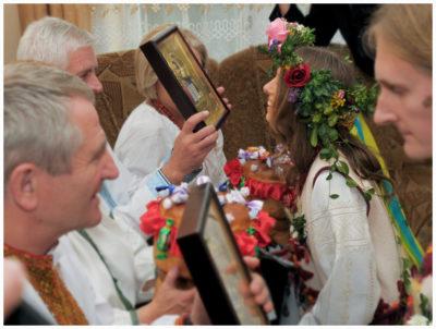 Кто встречает с иконой на свадьбе