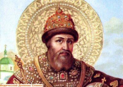 Какой русский правитель первым венчался на царство в шапке Мономаха