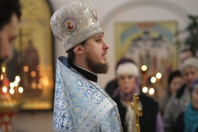 Сколько идет утренняя литургия
