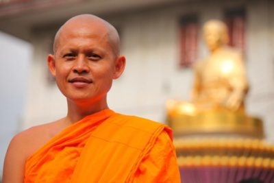 Как называется одежда у буддийских монахов